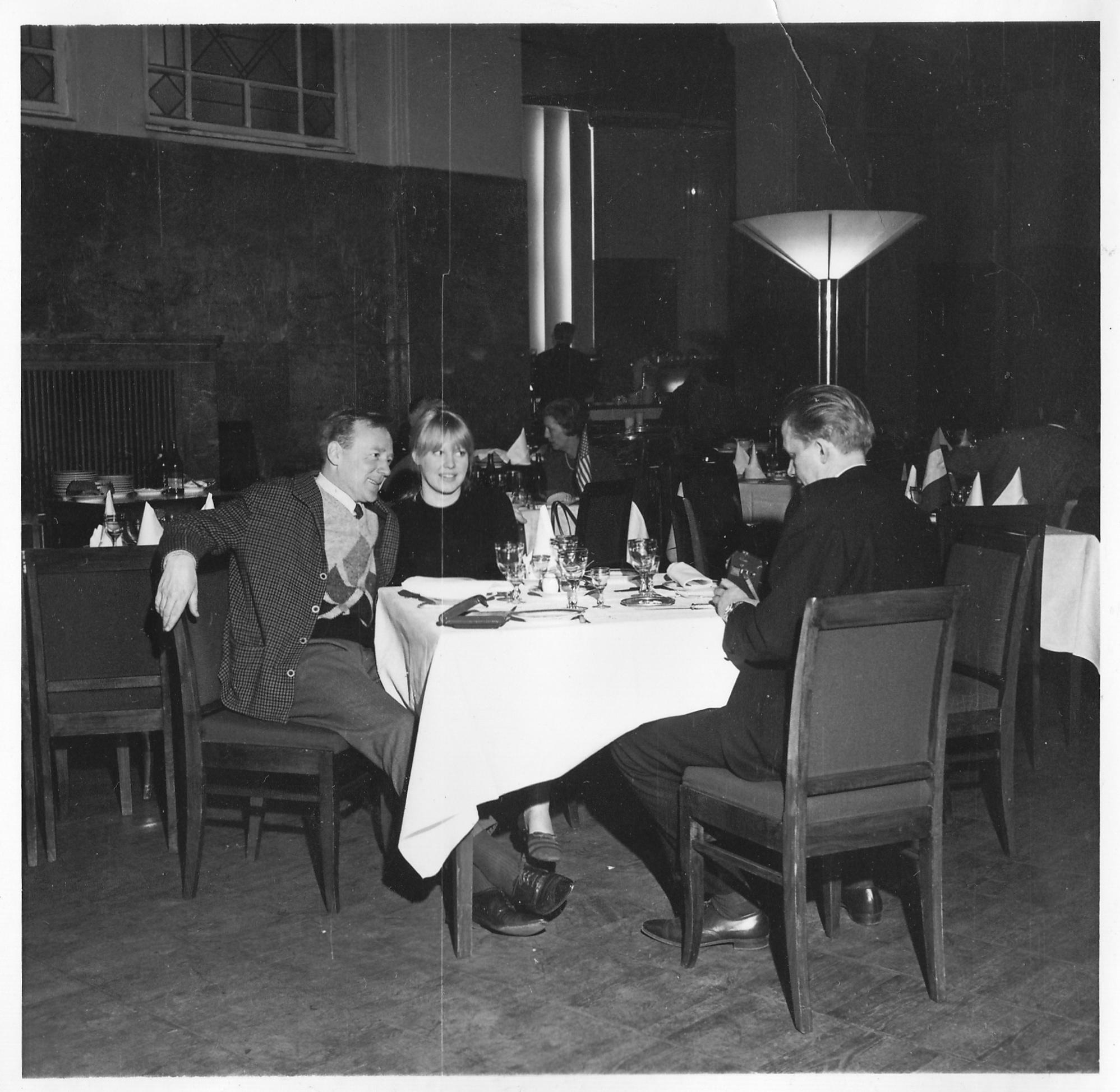Ленинградская ресторанная культура в баре Астории