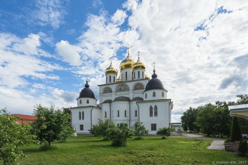 Успенский собор Дмитровского кремля
