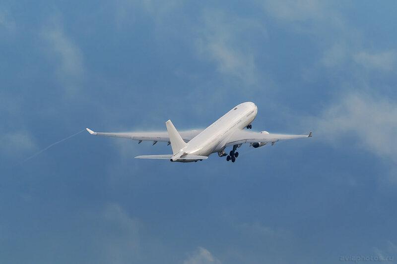 Airbus A330-243 (EI-FSE) iFly 245_D801842