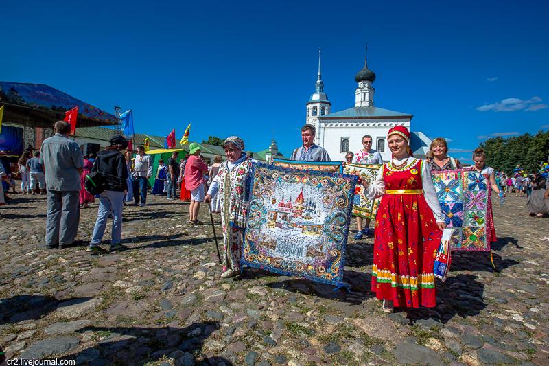 Фестиваль лоскутного шитья в Суздале. Шествие