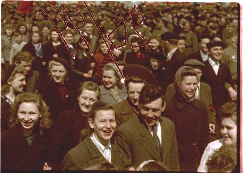 Первомайская демонстрация 1947 г. в Москве. Владислав Микоша15.jpg