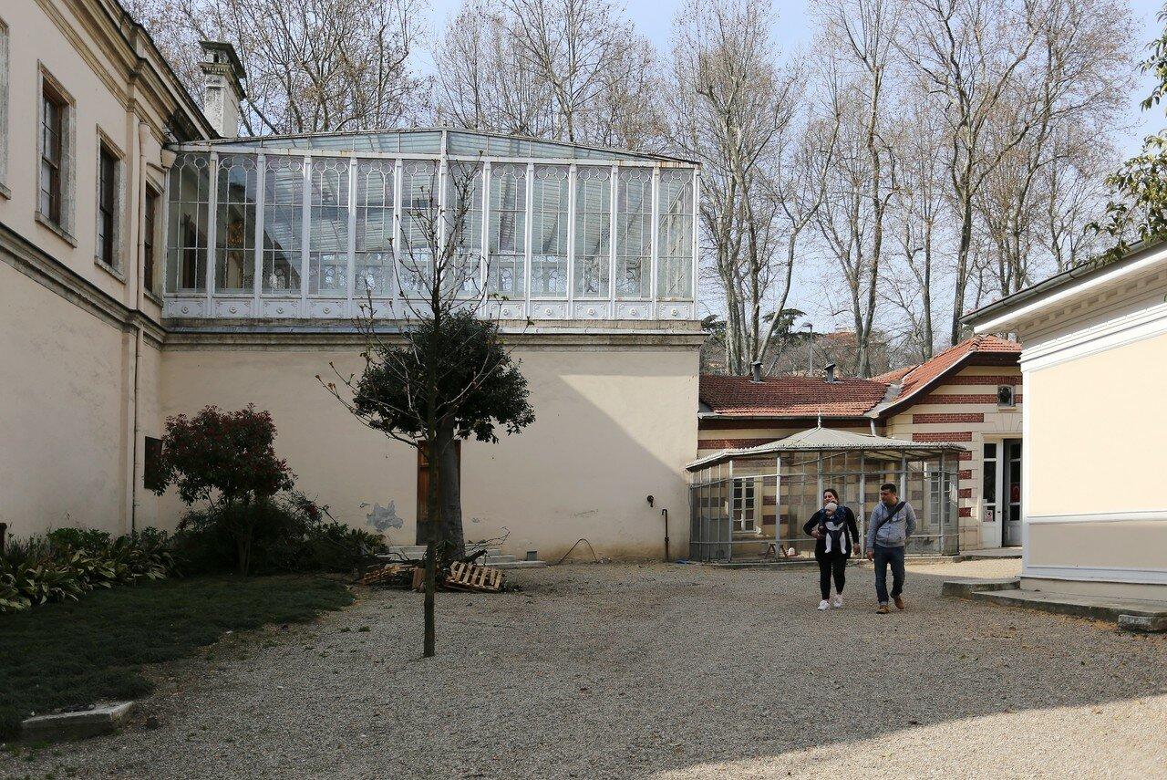 Istanbul, Dolmabahce Palace. Glass pavilion (camlı köşk)