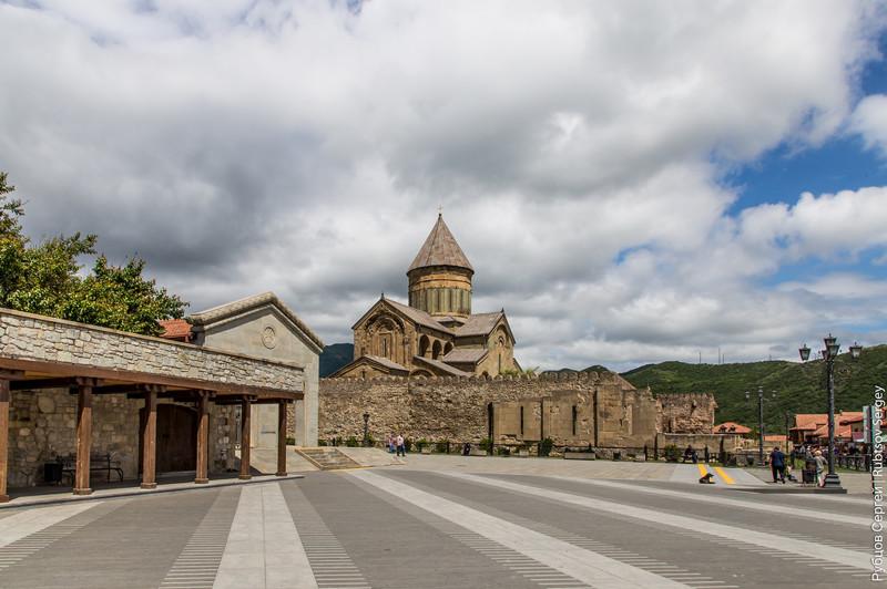 Одним из самых популярных мест в окрестностях Тбилиси является Мцхета – один из древнейших городов Г