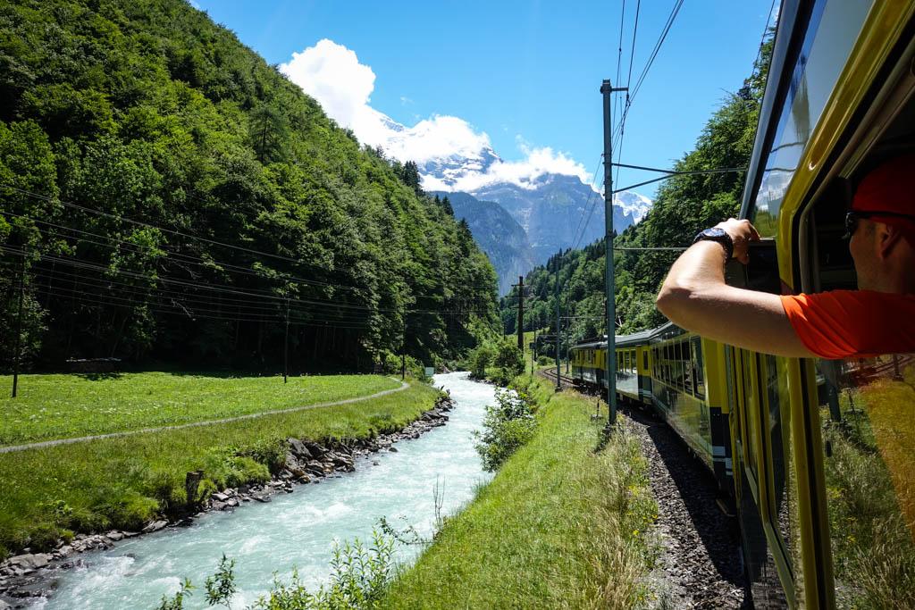 А уж если вы завернете в горы, то сможете снимать заснеженные вершины прямо из окна своего состава.