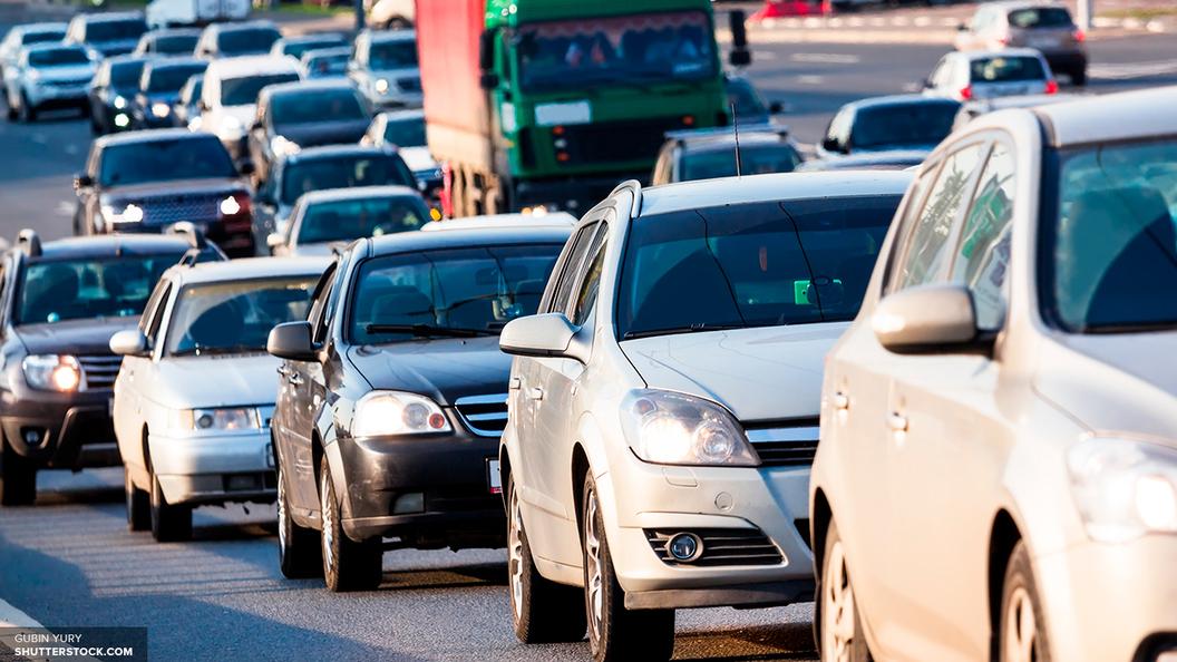 Граждане столицы массово распродают побитые ураганом машины