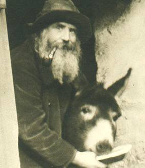 Ослик «Лоло» (Lolo) и Фредерик Герард (Frédéric Gérard).