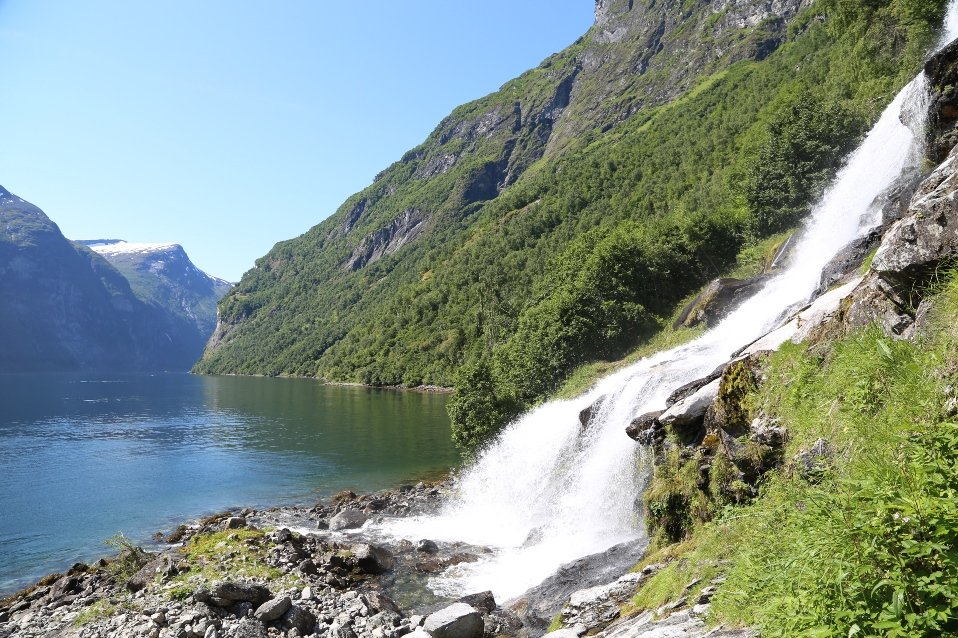 Норвежские фьорды и ледники - поездка с двумя детьми и надувной лодкой