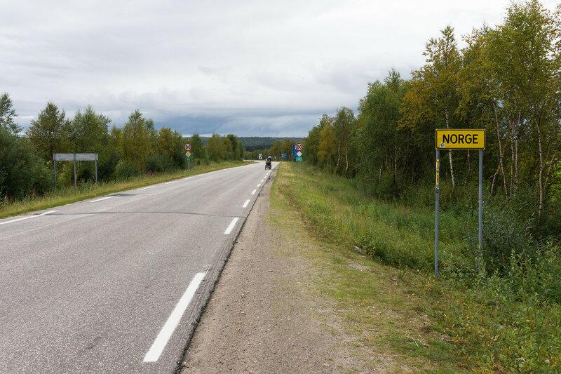 граница финляндии и норвегии на дороге 92 между Karasjok и Karigasniemi