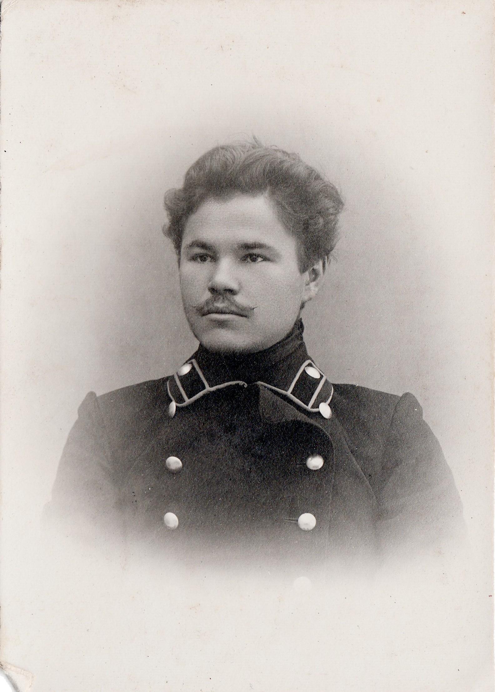Студент Зотиков Иван. I отделение разряд 2.