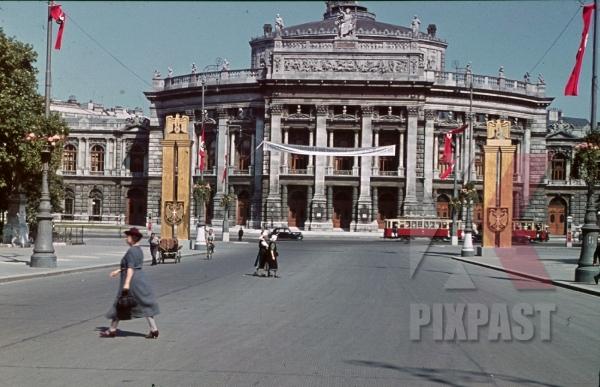 stock-photo-vienna-opera-house-austria-1938-12373.jpg