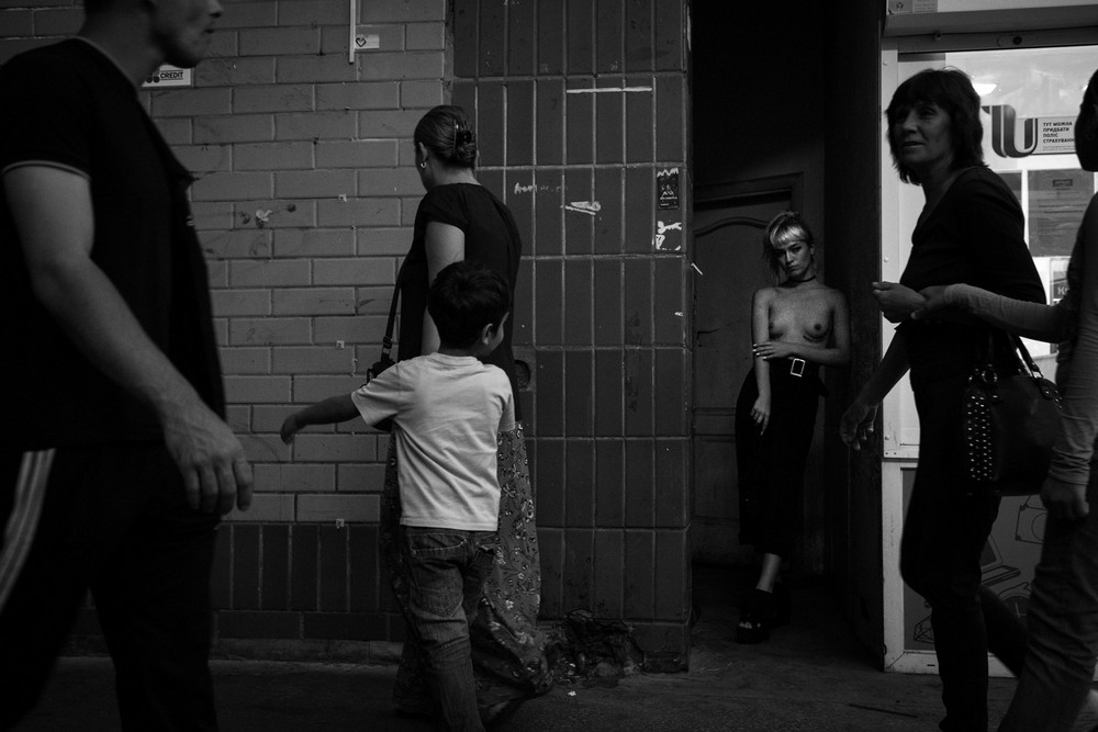 Portfolio Andrei Serbina: Nude in the crowd