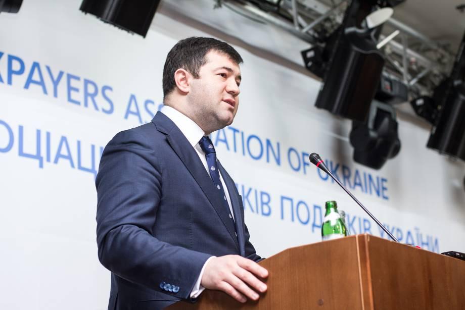 НАБУ вернуло часть изъятых вещей, но вопросов по сути дела так и не задают, - Насиров