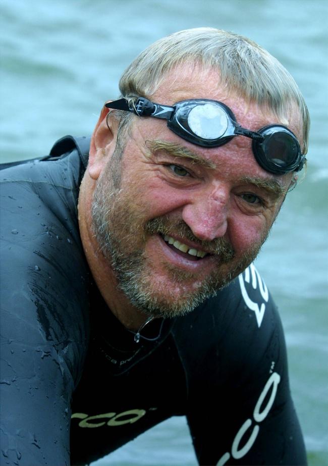 © mongrelmedia  В2009 году был снят фильм «Человек Большой реки»— отом, как Мартин Стрел по