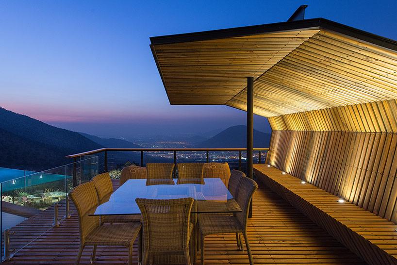 Частный дом у подножия гор в Чили