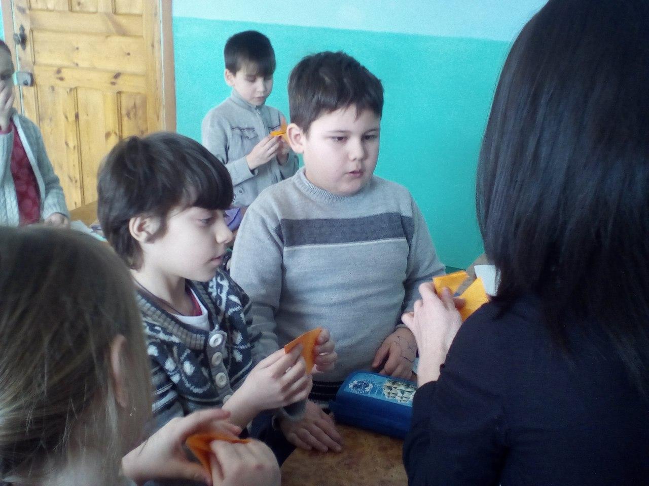 донецкая республиканская библиотека для детей, сектор организации досуга детей, занятия с детьми, оригами, пропаганда чтения