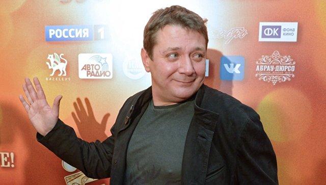 Участнику украинской новогодней передачи актеру Цапнику запретили заезд встрану