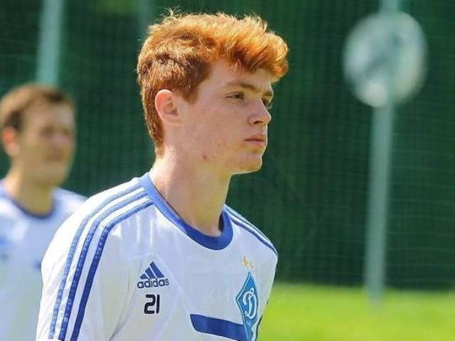 Коваленко стал лучшим молодым футболистом Украинского государства