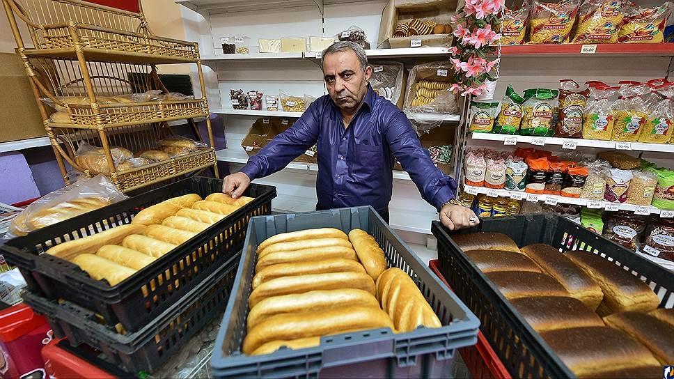 Граждане Струнино пожаловались навладельца магазина, бесплатно раздающего имхлеб