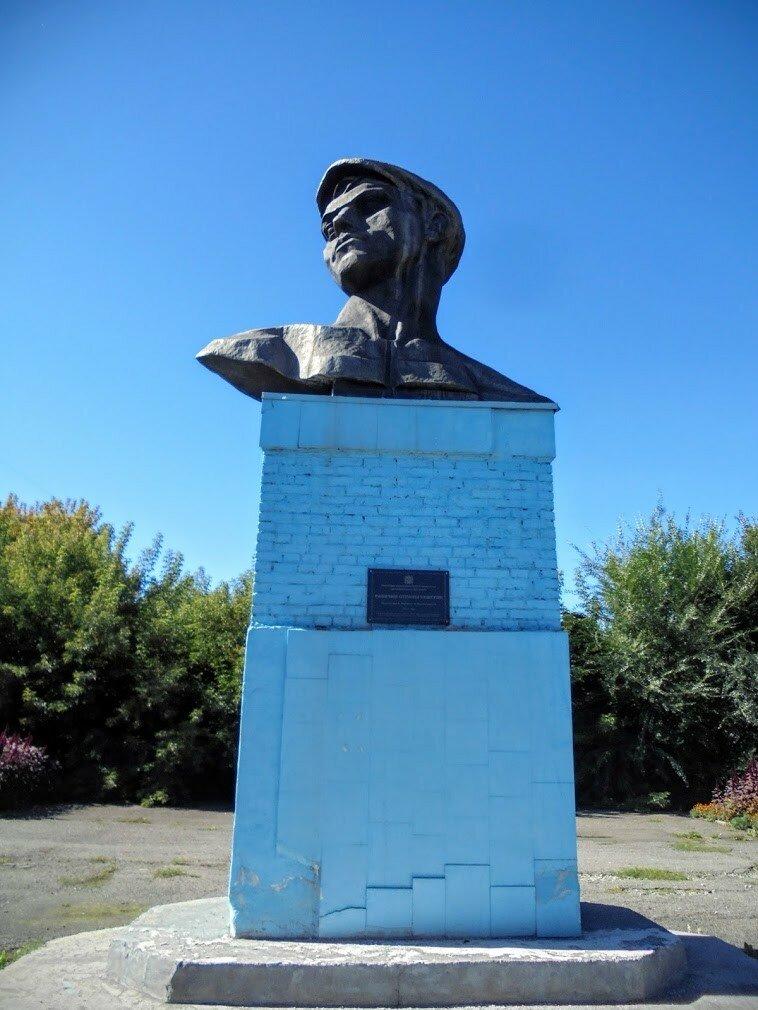 Кемерово, Советский проспект, скульптура Рабочий страны Советов