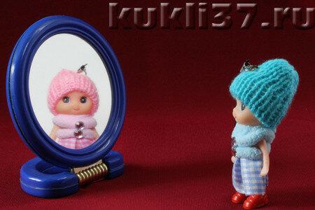 2 куклы и зеркало