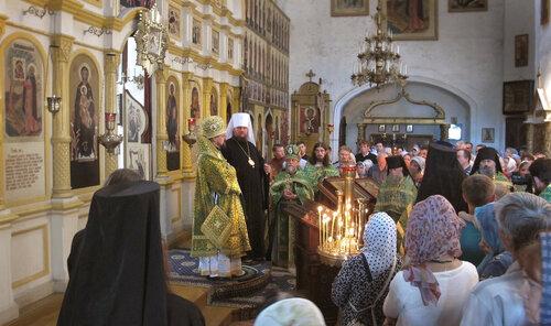 2017. Архиерейское богослужение в Авраамиево-Городецком монастыре. Митрополит Ферапонт и епископ Алексий.