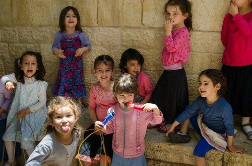 Девочки-из-еврейской-религиозной-школы.jpg