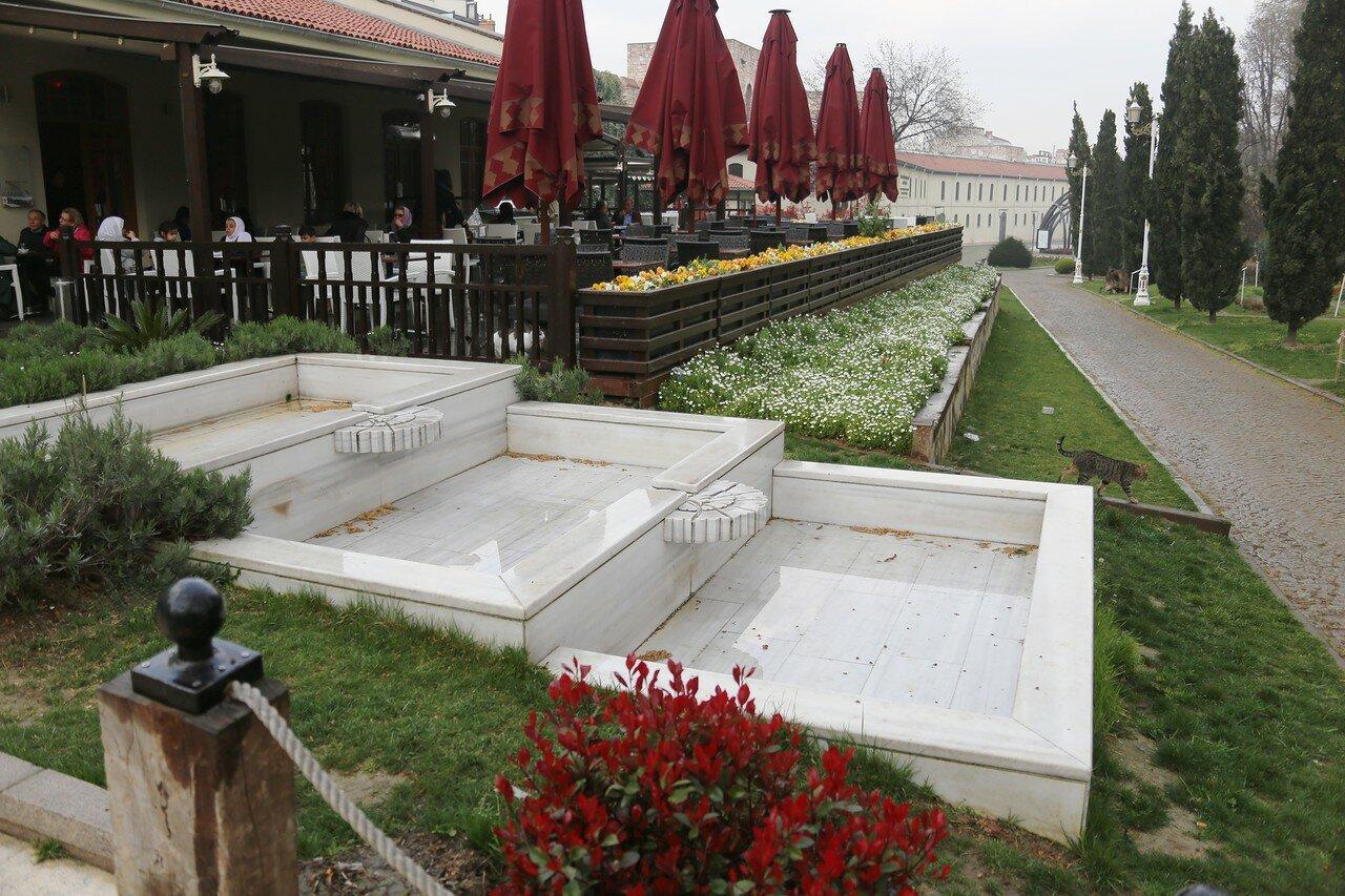 Весенний Стамбул. Парк Гюльхане (Gülhane Parki)