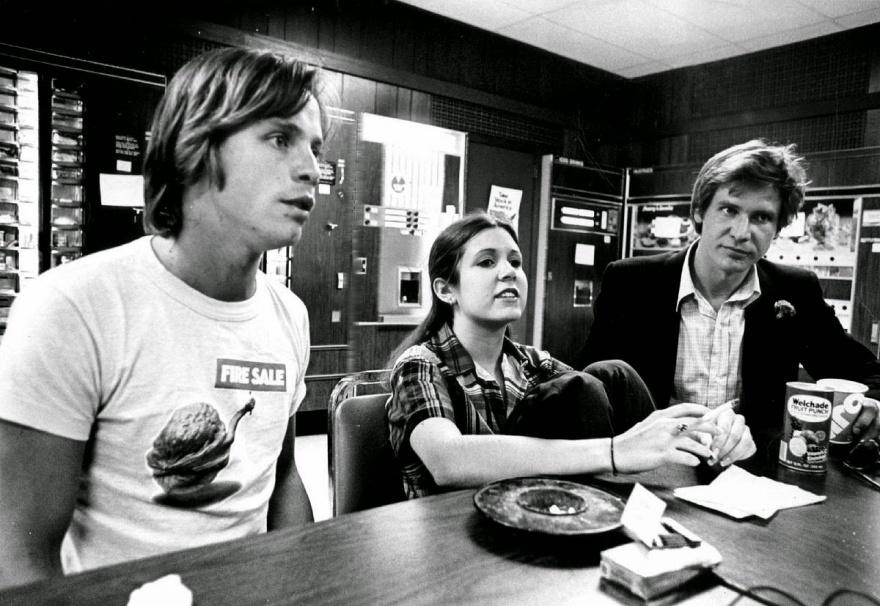 © thisisnotporn  Звезды фильма «Звездные войны» вбаре, 1977г.
