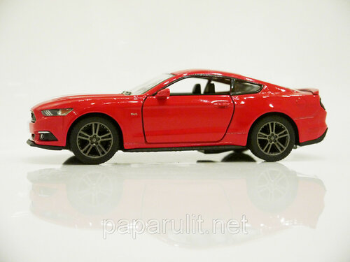 Kinsmart Ford Mustang GT 34.jpg