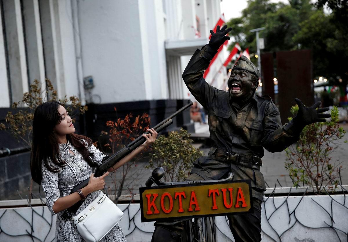 А мне страшно, я сдаюсь: Перепуганный солдат и дама с ружьем