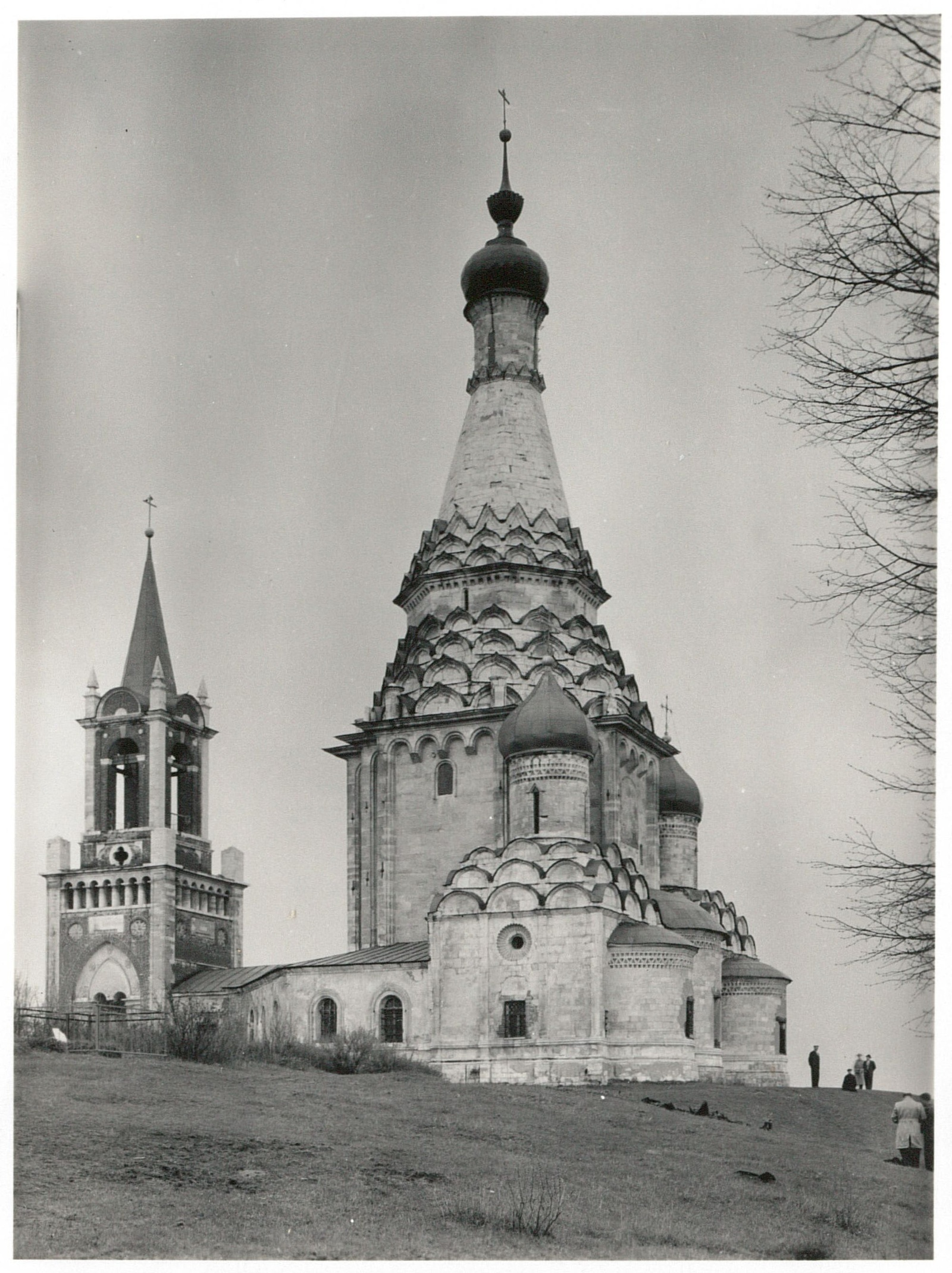Церковь Спаса Преображения в селе Остров