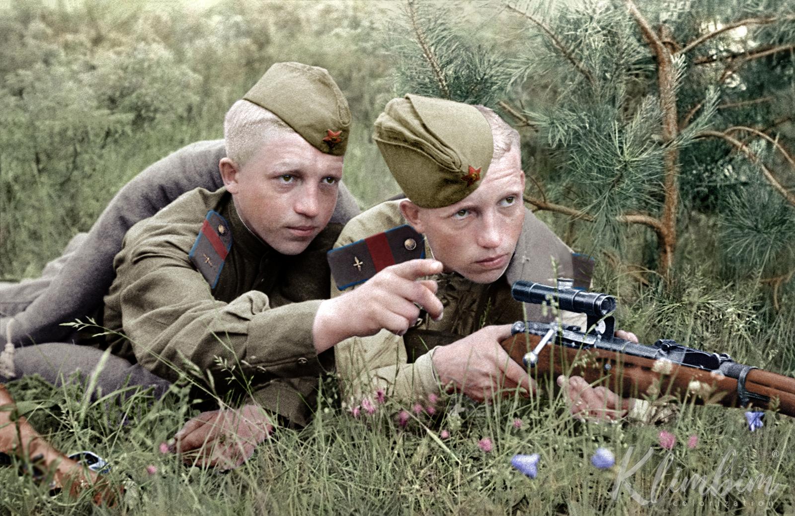 Русское военное кино, порно ролики шесть черных палок и одна игрушка