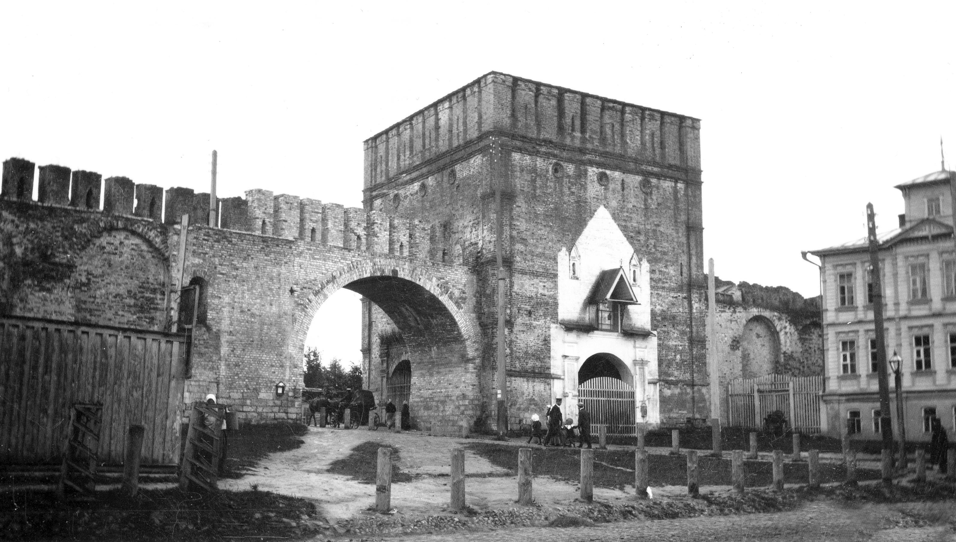 Никольская башня и арка для трамвая. 1907