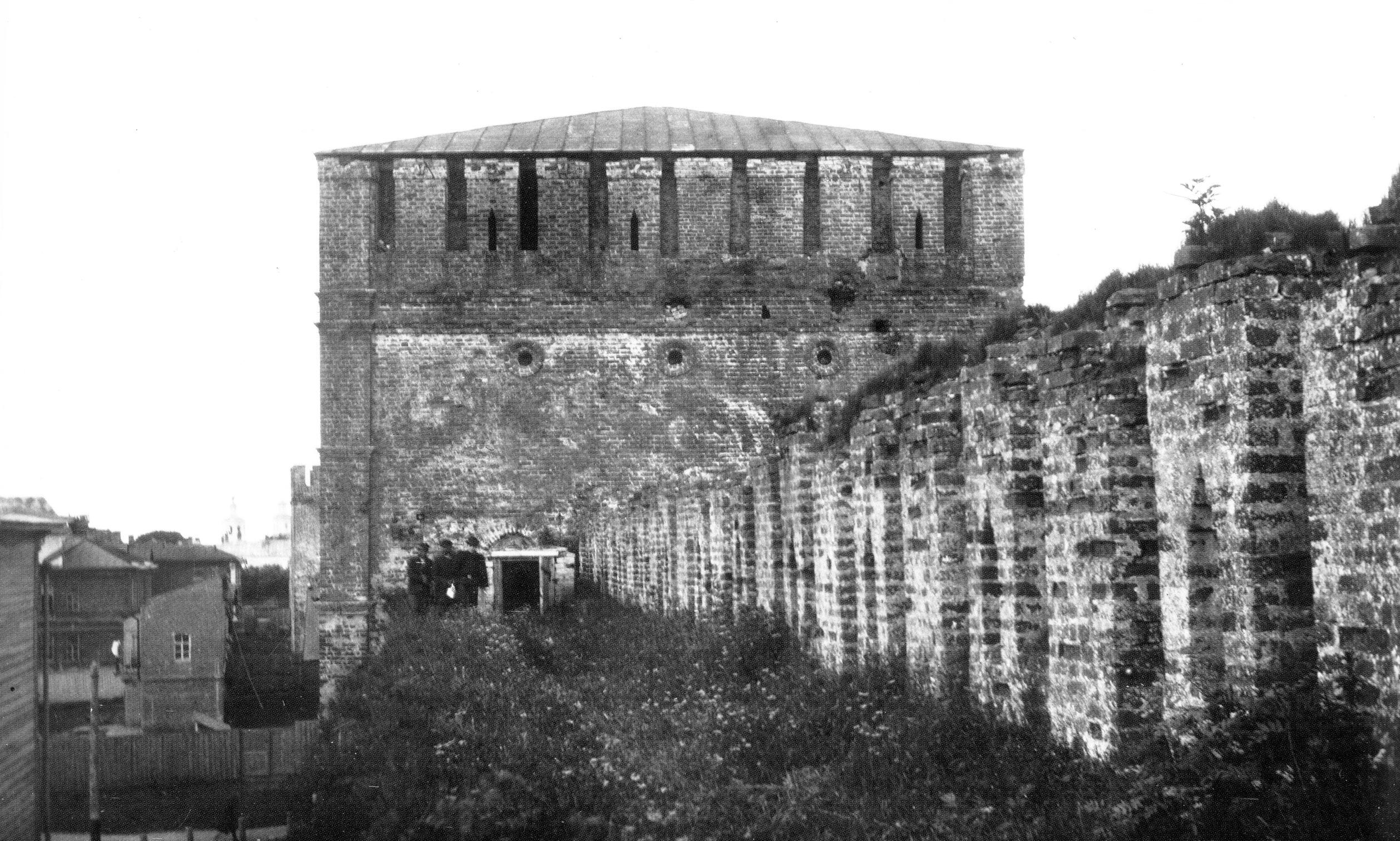 Никольская башня и крепостная стена. 1907