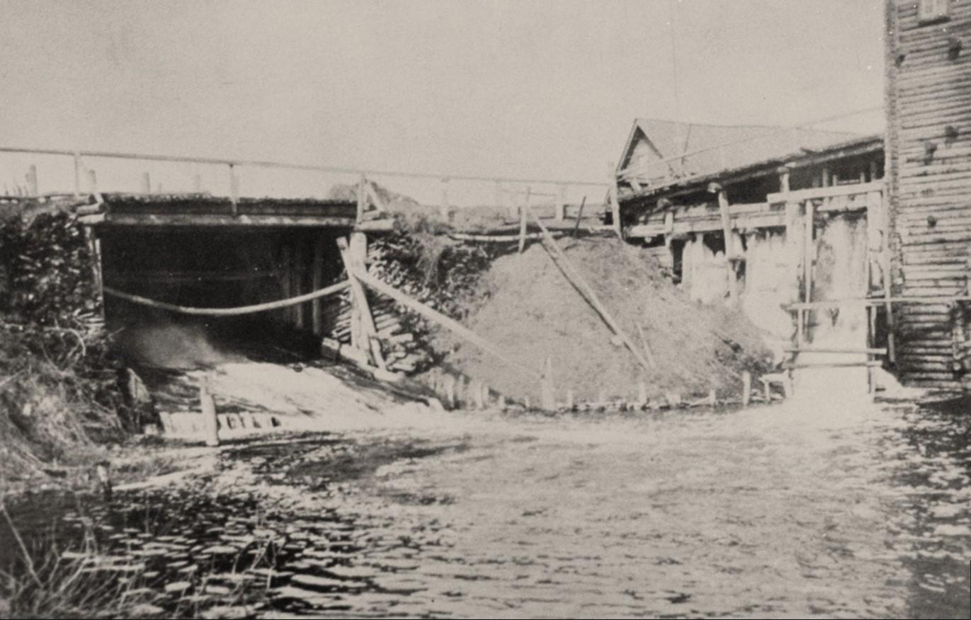Плотина и водяная мельница на Марковом пруду