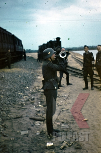 stock-photo-ww2-color-luftwaffe-field-division-2nd-lufllotte-train-station-locomotive-bugler-narvik-campaign-shield-8521.jpg