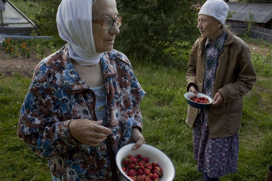 «Мои фотографии — исследование традиций предков и земли как средства выживания», — говорит фотограф.