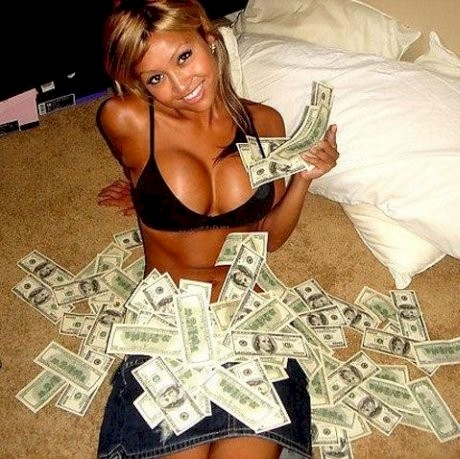 Актрисы не получают баснословных денег за фильмы. Больше всего они зарабатывают после раскрутки