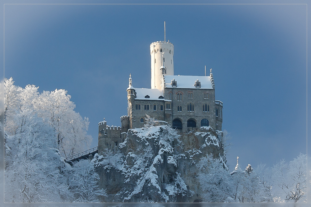 Год появления: 13 век. Высота: 817 метров. В Германии среди неприступных и завораживающих Баварских