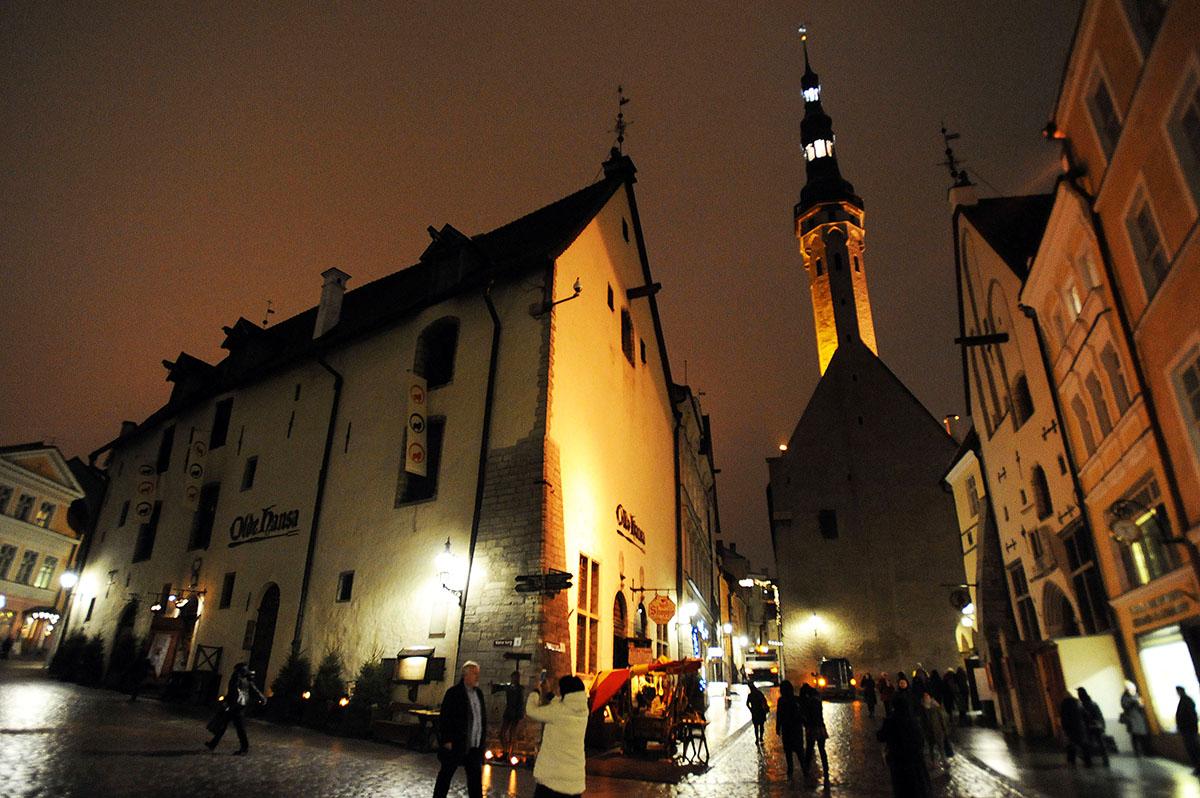 1. Эстонский Таллин чуть младше Москвы — городу около 800 лет. Как и в любом европейском городе, в Т