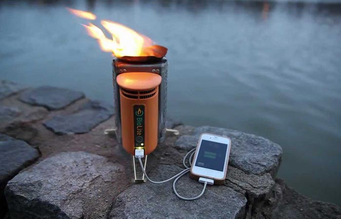 Новая кемпинговая печь, которая позволить держать смартфон с полным аккумулятором