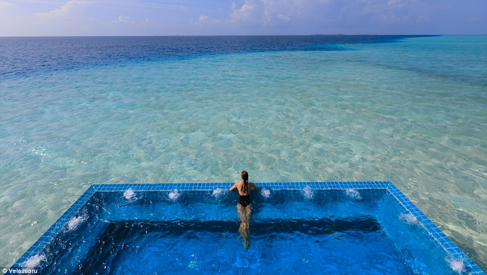 3. Надоели Мальдивы? Поехали в Кению! На курорте Elsa's Kopje тоже есть водоемы с живописными в