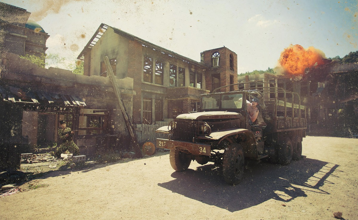 3. Вон там за поворотом кажется, что только что закончилась корейская война, разбитые дома, искореже
