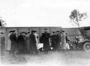 Группа участников праздника ( в центре в шинели - великий князь Александр Михайлович).