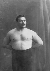 Портрет борца, чемпиона Болгарии,  участника чемпионата, Петковича.