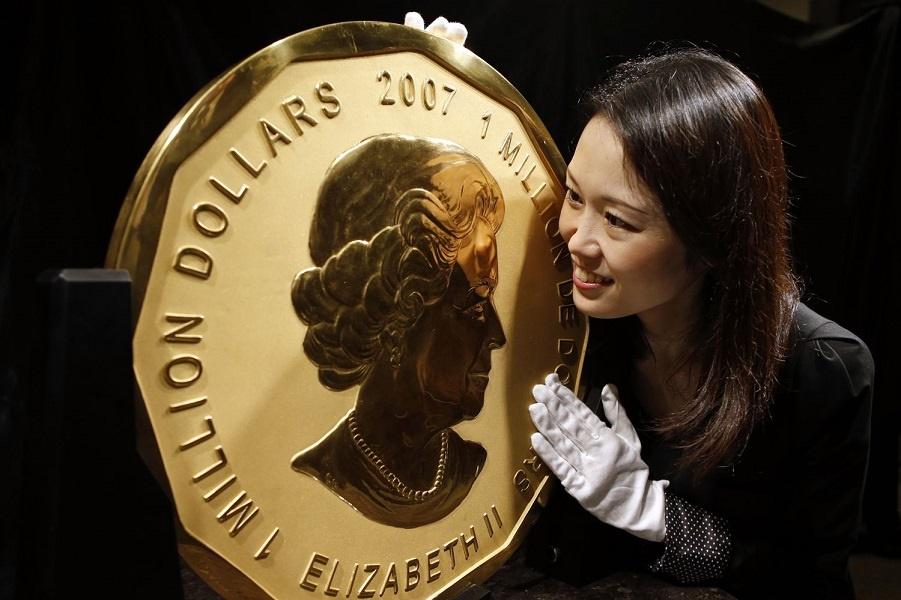 Преступление в мире искусства - украли голову в миллион долларов