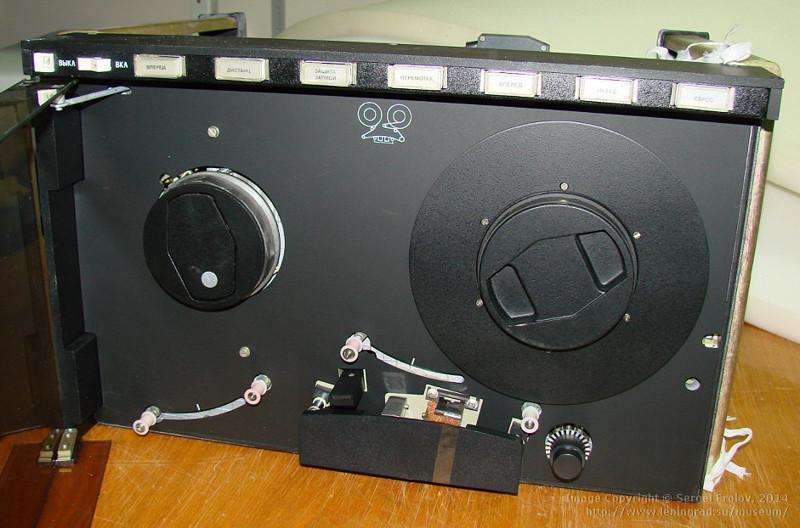 Советская флешка: СМ5300,01 — накопитель на магнитных дисках, 1983 год
