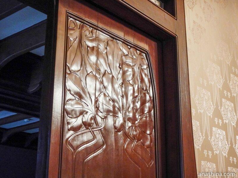 Рисунок на двери в Будуаре, дом Смирнова