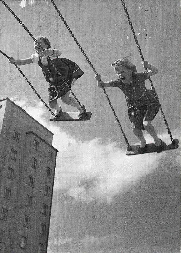 historical-children-playing-photography-58a44e3550ddd__700.jpg