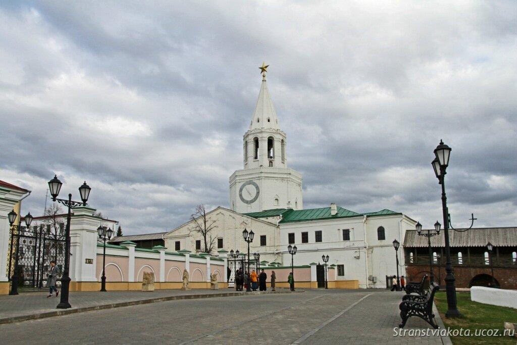 Казанский кремль, Спасская башня и церковь